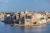 Valletta Skyline with wall at sunset — Stok fotoğraf