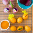 Dyeing Easter eggs natural way. — Stock Photo #69108555