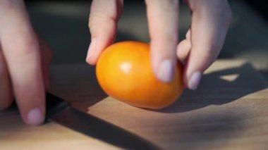 Slicing Tangerine, Slow Motion — Vidéo