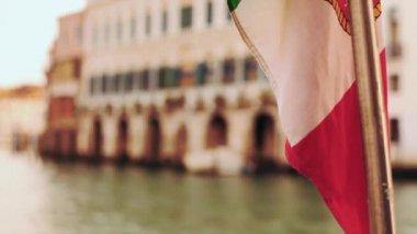 Italy Flag Back of Vaporetto — Stock Video