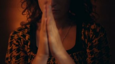 Hand gestures. Woman praying to god. — Stockvideo