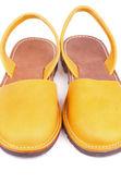 žlutá sandály — Stock fotografie