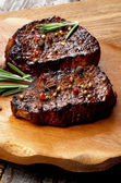 Rundvlees steaks — Stockfoto