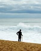 Surfer Waiting for Waves — Stock Photo