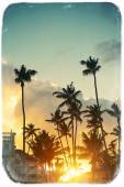Photo in retro style of beautiful sunset at a beach resort in the tropics — Foto Stock