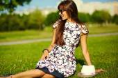 Funny  stylish sexy smiling beautiful sunbathed young woman model in summer bright  hipster cloth  in the park — Stock Photo