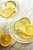 Fresh iced juice with lemon — Stockfoto