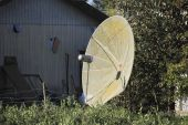 Old Retro Satellite Dish — Stock Photo