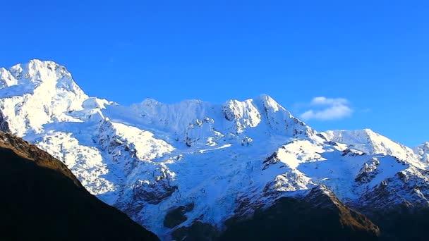 Montañas de los Alpes del sur — Vídeo de stock