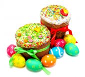 Two decorated easter cakes and eggs isolated — Stock Photo