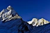 Mount Shivling and Meru at sunrise in Garhwal Himalaya mountain range, Uttarakhand Uttaranchal, India — Stock Photo