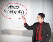 Video pazarlama yazma iş adamı — Stok fotoğraf