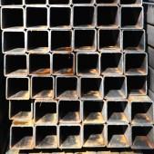 金属プロファイル正方形チューブ — ストック写真