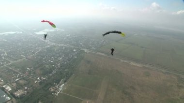 Parachutists in flight — Stock Video
