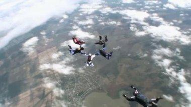在城市上空跳伞 — 图库视频影像