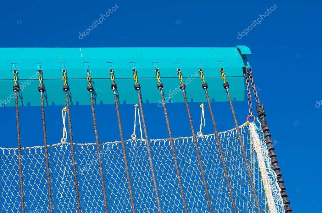 рыболовная сеть с цепями