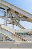 Ponte ad arco in acciaio — Foto Stock