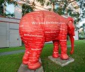 Red elephant — Stock Photo