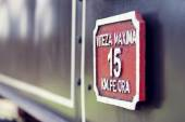 Close up of speed sign on old railway steam engine — Stock Photo