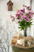 Designer composition with artificial flowers. — Foto Stock