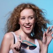 Young beautiful fashion girl smiling with his hand raised and su — Stock Photo #76028249