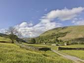 Muker meadows blue sky — Stock Photo