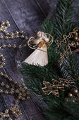 Angel with Christmas wreath and Christmas Balls — Foto de Stock
