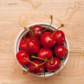 Bowl of cherries — Stock Photo