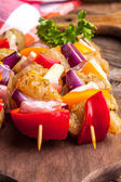 Raw beef skewers ready for grilling — Stockfoto