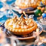 Mini orange curd tartlets — Stock Photo #52879001