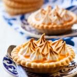 Mini orange curd tartlets — Stock Photo #52879107