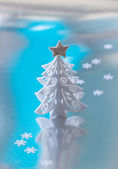 Decorative white Christmas tree — Stock fotografie
