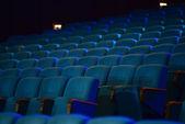 空舒适绿色座位的剧院,电影院 — 图库照片