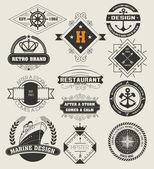 Vintage Insignias , logotypes set. — Vector de stock