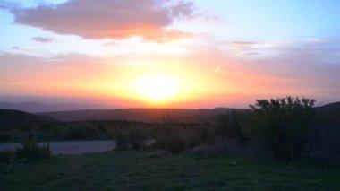 Beautiful sunsett view of Spanish Valley — Stock Video