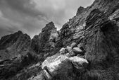 Black and White Rock formations with Dramatic Sky Cottonwood Can — Stock Photo