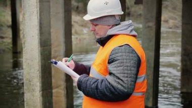 Engineer writing documentation — Стоковое видео