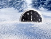 New Year's at midnight - old clock in snow — Stock Photo