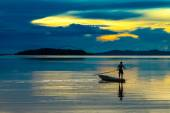Beautiful sky and Silhouettes of fisherman. — Foto Stock