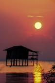 Sunset sky at the lake — Stock Photo