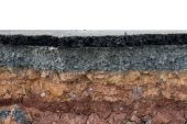 The curb erosion from storms. — Stock Photo