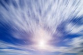 Motion cloud and blue sky with sunlight. — Stock fotografie