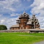 Wooden church at Kizhi under reconstruction — Stock Photo #63610605