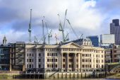 Vintners Place at Thames River in London — Stock Photo
