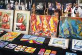 Colorful art on amsterdam art market on rembrandtplein — Stock Photo