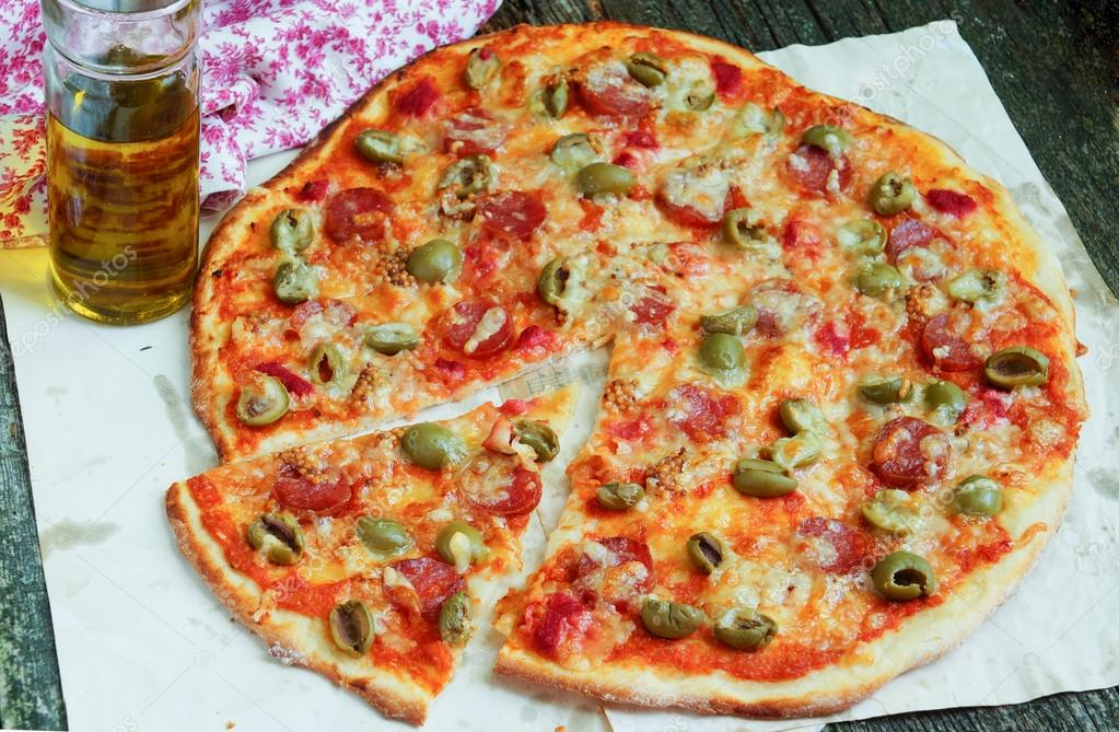 Пицца с оливками рецепт
