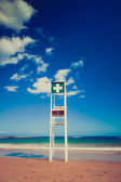 Rescue tower on the sea beach — Stock Photo