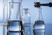 Chemical ware in science laboratory — Zdjęcie stockowe