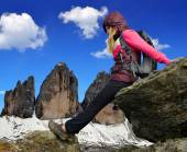 岩の上の少女 — ストック写真