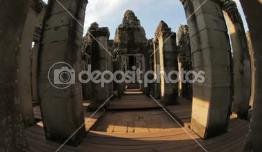 Angkor movement of the temple courtyard — Stock Video